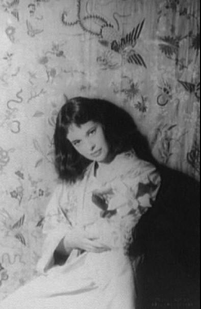 Gloria Vanderbilt in 1958 (age 34). Photo by Carl Van Vechten.