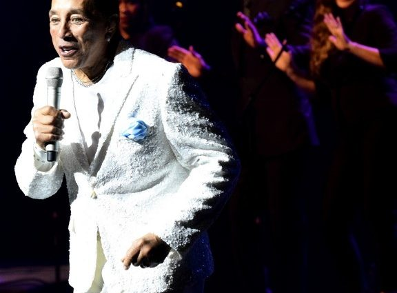 Stellar Performance from a Music Icon At The Van Wezel – Smokey Robinson