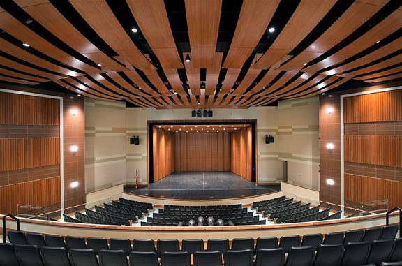 Venice Performing Arts Center, Entertaining the Community and Beyond