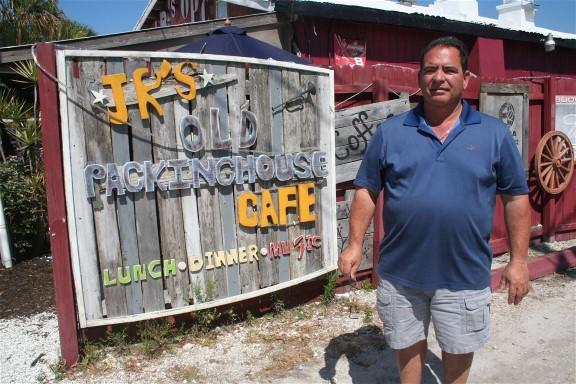 JR's Old Packinghouse Café
