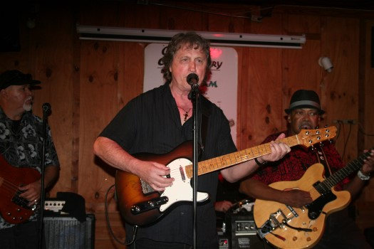 Mark Guitar Miller: Flamboyant Connectivity