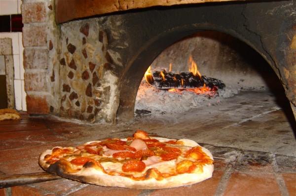Brick oven pizza at Primo Ristorante