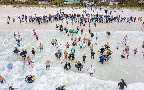Clancy's of Bradenton Raises Money with the 10th Annual Shamrock Shiver Charity Plunge