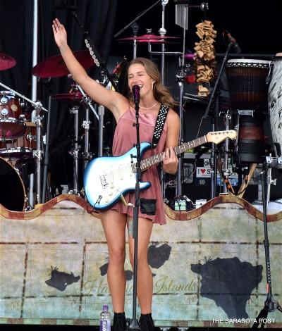 Pop newcomer Caroline Jones