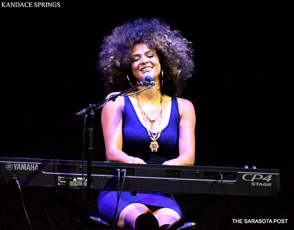 Kandace Springs of Nashville opens for Daryl Hall and John Oates tour in Tampa's Amalie Arena
