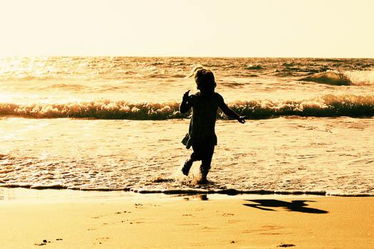 Kids love to run. How about the Kids Summer Beach Runs on the Suncoast?