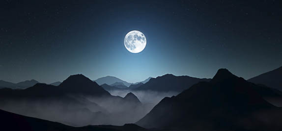 Sarasota, FL Does the Full Moon Dance