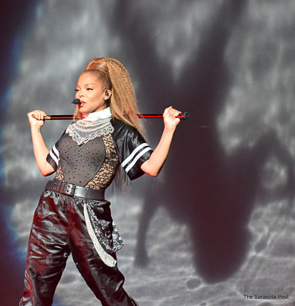 Janet Jackson rocks Mid-America Amphitheatre in Tampa FL!