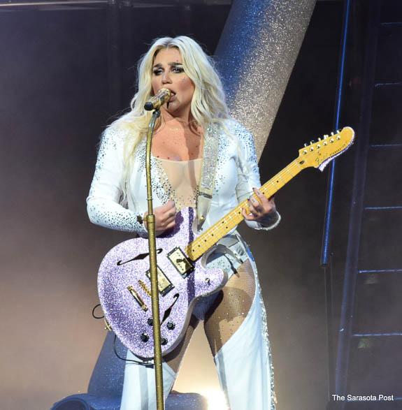 Kesha at Mid-Florida Amphitheatre in Tampa,FL