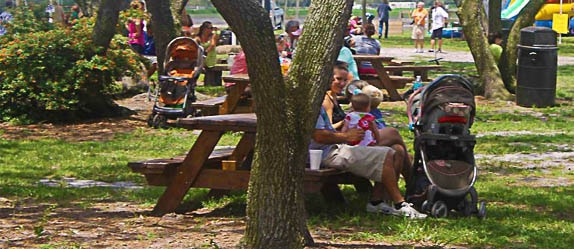 Dakin Dairy Farms has beautiful outdoor picnic areas.