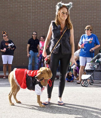 Bradenton Farmers' Market's annual Howl'ween Pet Costume Contest - so cute!