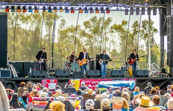 Sarasota – Bradenton's Very Cool Band, Kettle of Fish, Has a New Website