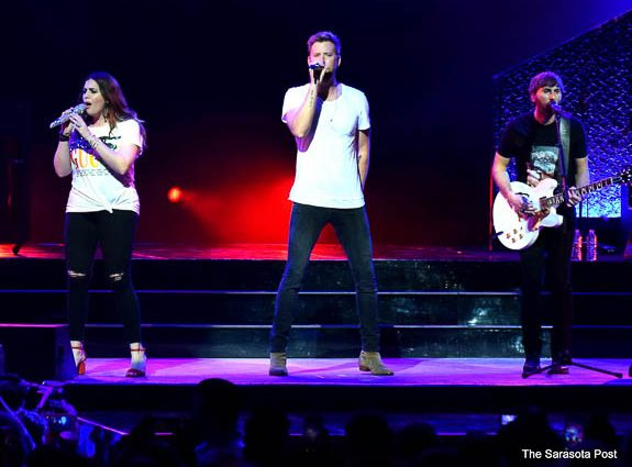 "Darius Rucker And Lady Antebellum Bring The ""Summer Plays On"" Tour To Tampa"