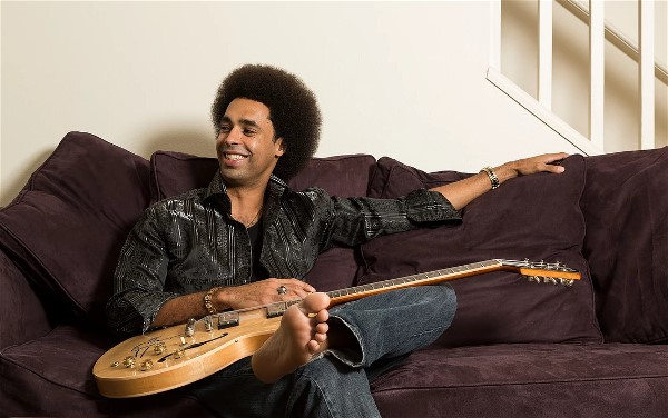 Visionary Blues Star Selwyn Birchwood to Perform at Blue Rooster in Sarasota, FL