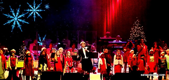 Barry Manilow has a wonderful band and backup singers at his Chrismas Tour at Amalie Arena
