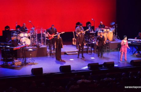 Gladys Knight Makes Love at the Van Wezel Performing Arts Hall in Sarasota