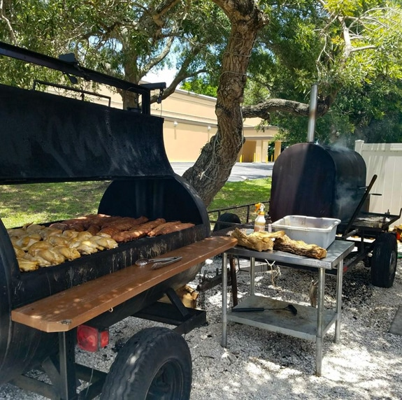 Great Bar B Q at Pig Out in Bradenton, FL