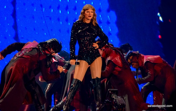 Taylor Swift came to Raymond James Stadium in Tampa, FL in 2018