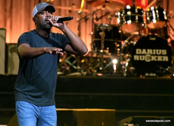 Darius Rucker came to Mid-Florida Amphitheatre in Tampa, FL in 2018