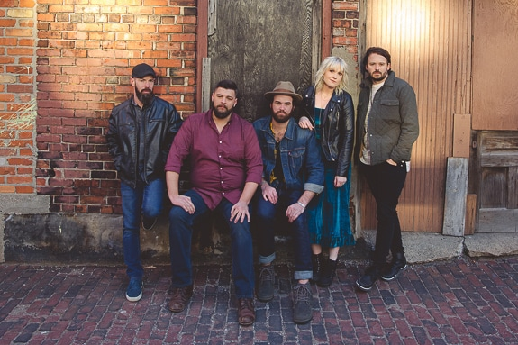 Nashville's Kari Lynch Band to Perform at Tarpon Bay Grill in Sarasota