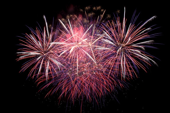 Dinner & Fireworks Viewing at Mattison's Riverwalk Grille, Bradenton