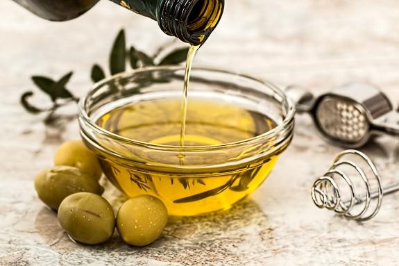 The best Caesar salad has olive oil.