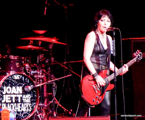 Joan Jett opened for Heart at the Mid-Florida Amphitheatre in Tampa, FL
