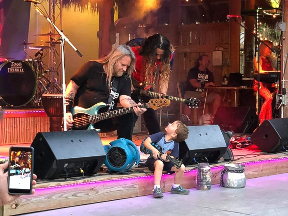 A little boy comes and plays onstage with RockSoulRadio
