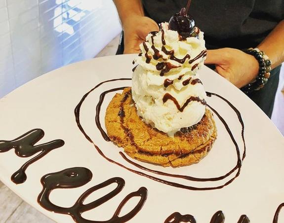 They serve amazing desserts at Mellow Mushroom Sarasota.