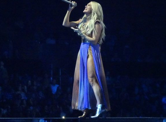 Carrie Underwood Cries Pretty in L.A. at the Staples Center