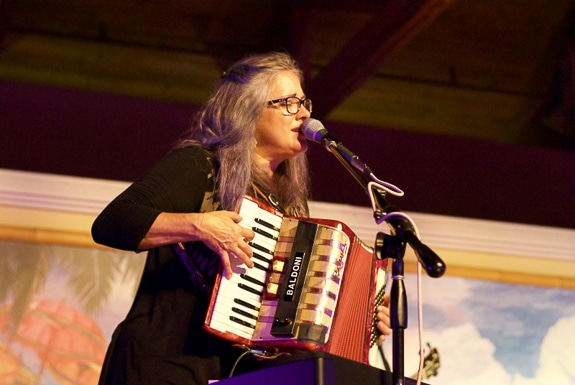 Beth McKee will perform at Fogartyville Community Media & Arts Center in Sarasota, FL