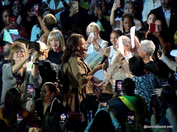 Oprah walked down into the audience at her Vision 2020 Tour in Ft. Lauderdale, FL