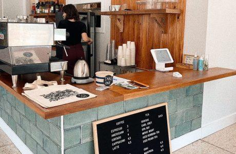 Oscura Cafe + Bar