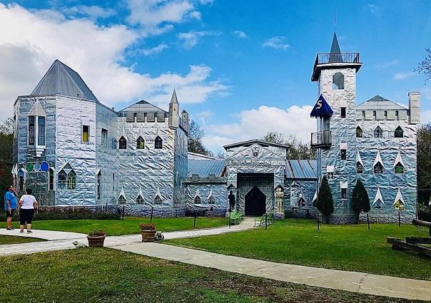 staycation solomon castle